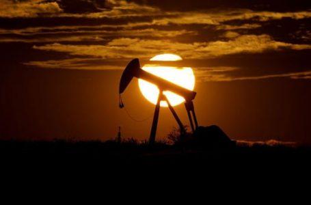 Petrol stok verisi sonrası yatay