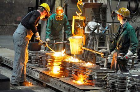 Sanayi üretimi Aralık'ta beklentiyi aştı