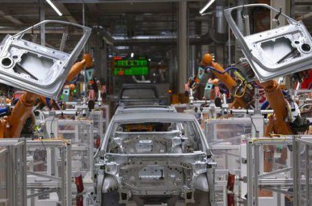 Otomotiv sanayisinin üretimi Ocak'ta azaldı